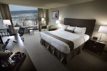 Premier Room, 1 King Bed with Sofa bed, Jetted Tub, River View