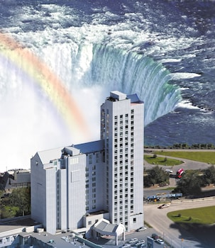 Book Oakes Hotel Overlooking the Falls in Niagara Falls.