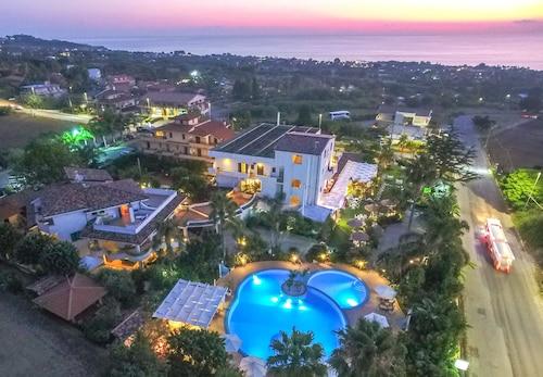 __{offers.Best_flights}__ La Bussola Hotel Restaurant