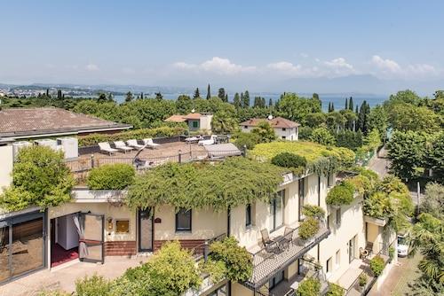 . Admiral Hotel Villa Erme