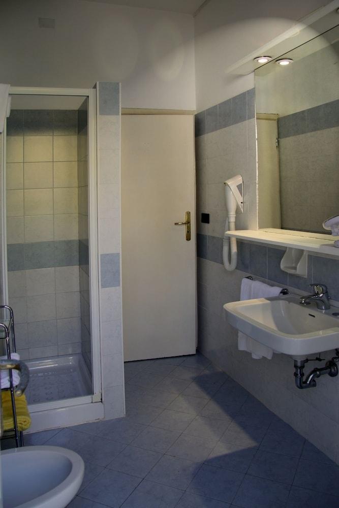 Смешные картинки про ремонт квартиры часто люди
