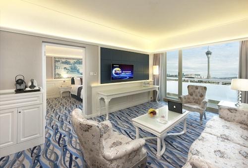 Riviera Hotel Macau, São Lourenço