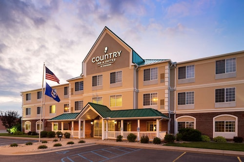 . Country Inn & Suites by Radisson, Big Rapids, MI