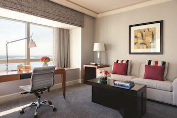 Four Seasons, Executive Suite, Bay View