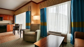Suite, Multiple Beds, Non Smoking, Kitchenette