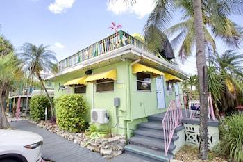 運動甲板套房飯店 Sun Deck Inn and Suites