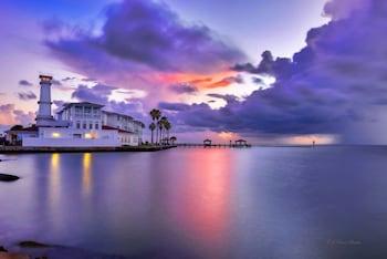 Lighthouse Inn At Aransas Bay