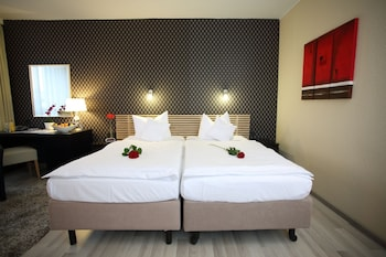Superior Room, 2 Twin Beds (Cozy)