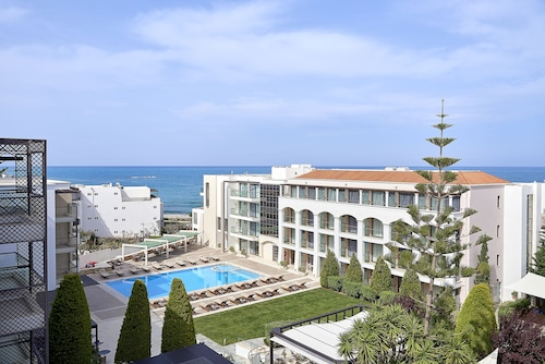 . Albatros Spa & Resort Hotel