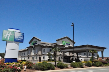 Holiday Inn Express Hotel & Suites Jackson photo
