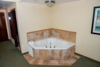 Standard Room, 1 King Bed, Jetted Tub (Feature)