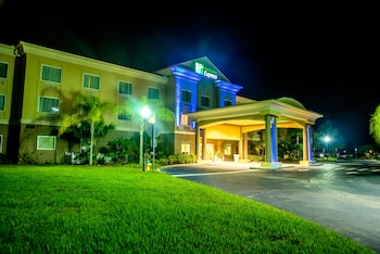 可哥阿智選假日飯店及套房 Holiday Inn Express Hotel & Suites Cocoa, an IHG Hotel