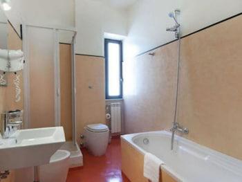 Royal Palace Luxury Hotel-Piazza Di Spagna - Bathroom  - #0