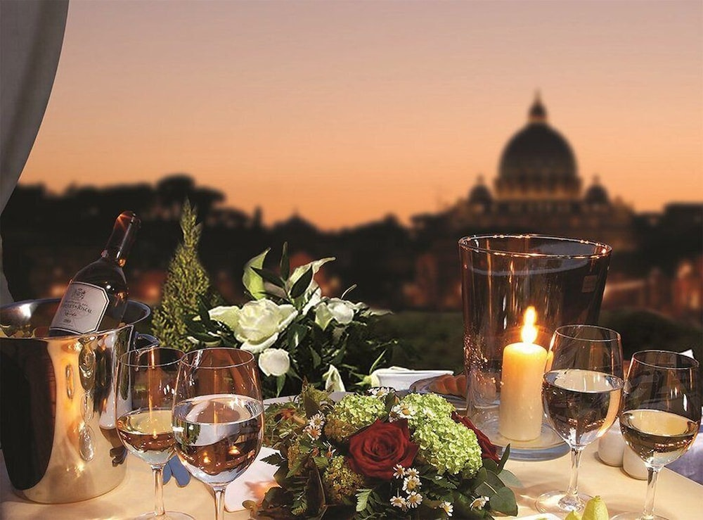 Royal Palace Luxury Hotel-Piazza Di Spagna, Featured Image
