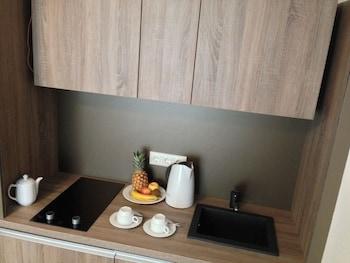 Single Room, Kitchenette