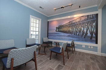 Lobby Sitting Area at Myrtlewood Villas in Myrtle Beach