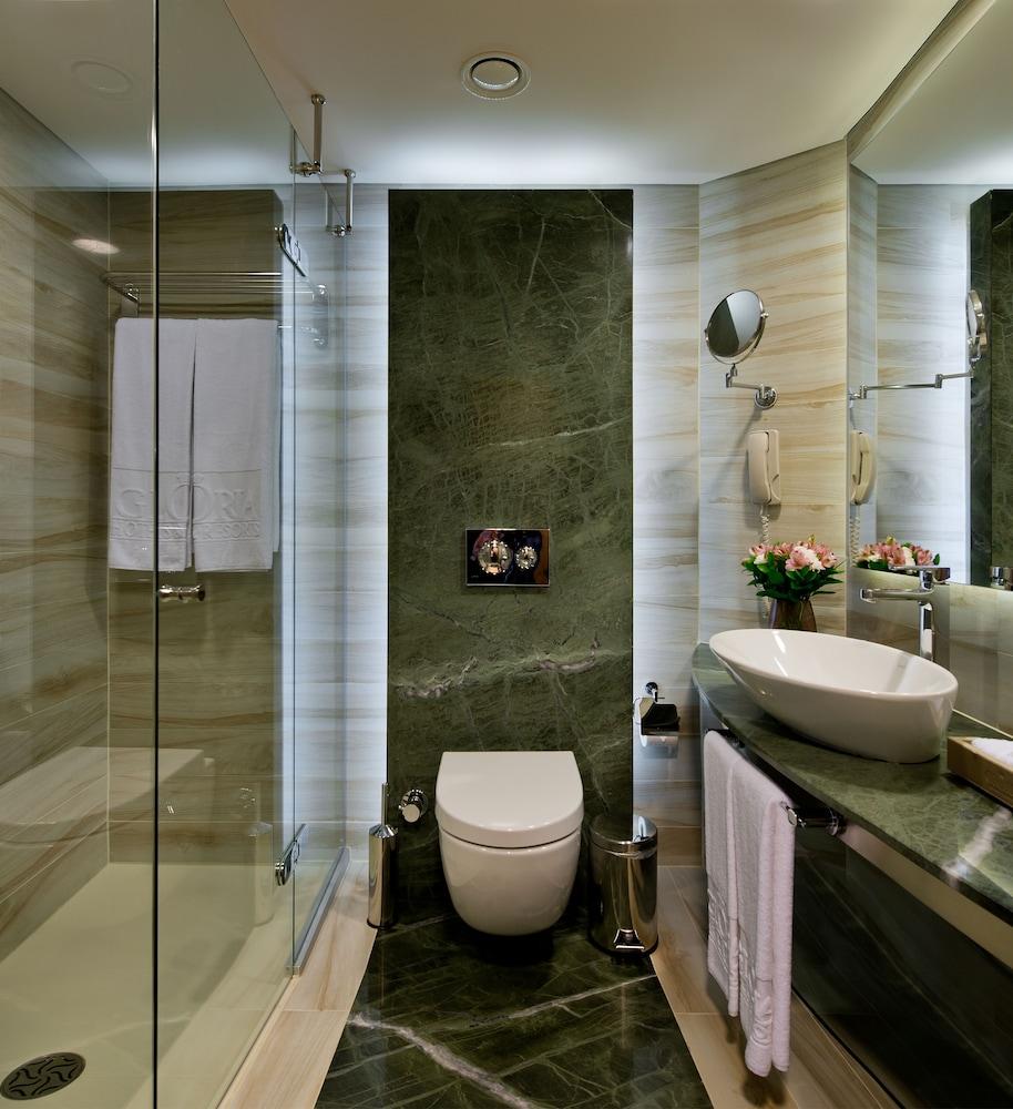 글로리아 베르데 리조트(Gloria Verde Resort) Hotel Image 19 - Bathroom