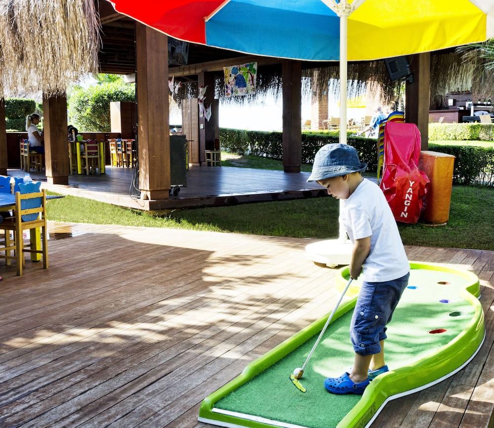 글로리아 베르데 리조트(Gloria Verde Resort) Hotel Image 48 - Childrens Play Area - Outdoor