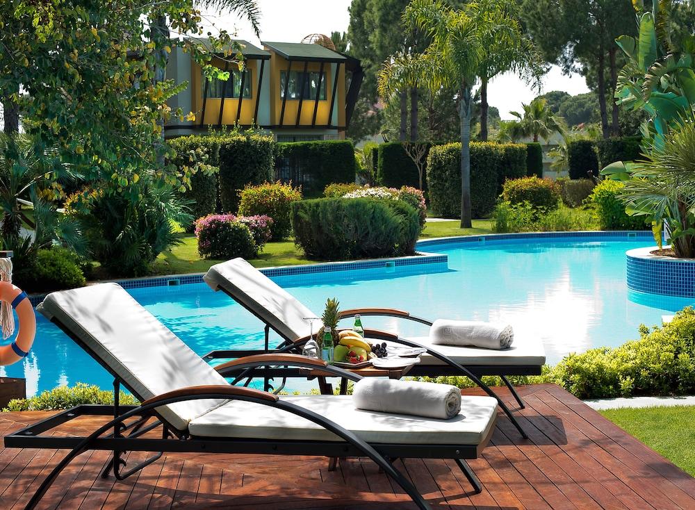 글로리아 베르데 리조트(Gloria Verde Resort) Hotel Image 33 - Outdoor Pool