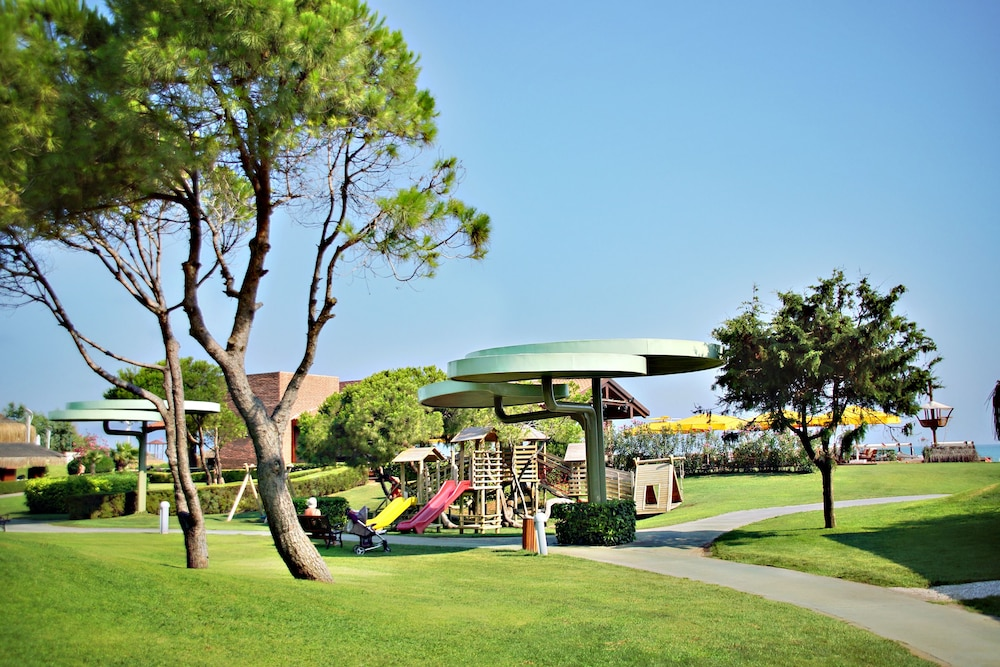 글로리아 베르데 리조트(Gloria Verde Resort) Hotel Image 47 - Childrens Play Area - Outdoor