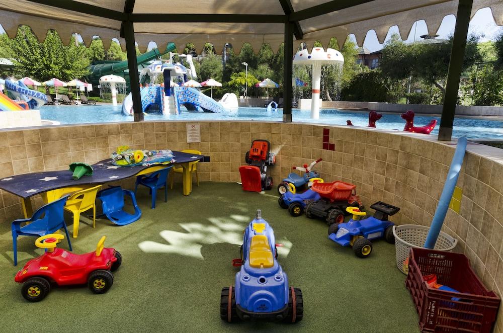 글로리아 베르데 리조트(Gloria Verde Resort) Hotel Image 49 - Childrens Play Area - Outdoor