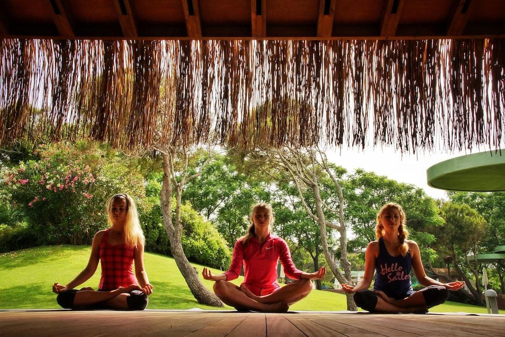 글로리아 베르데 리조트(Gloria Verde Resort) Hotel Image 36 - Yoga
