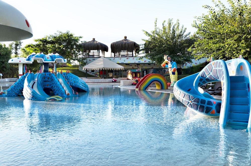글로리아 베르데 리조트(Gloria Verde Resort) Hotel Image 26 - Childrens Pool