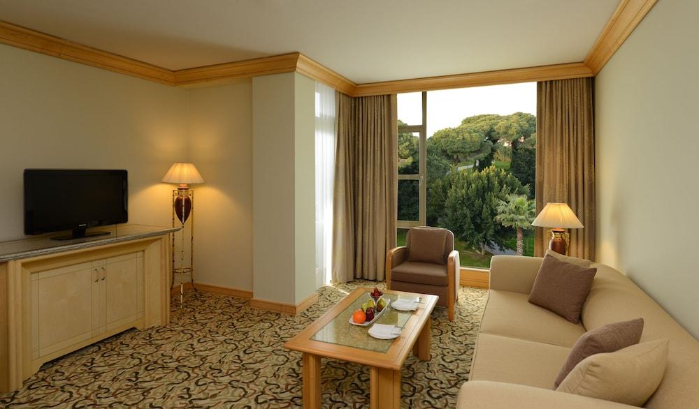 글로리아 베르데 리조트(Gloria Verde Resort) Hotel Image 18 - Living Room