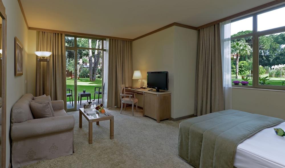 글로리아 베르데 리조트(Gloria Verde Resort) Hotel Image 13 - Living Area