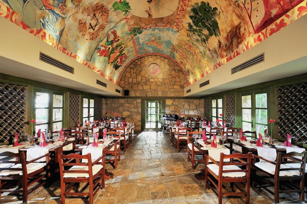 글로리아 베르데 리조트(Gloria Verde Resort) Hotel Image 51 - Restaurant