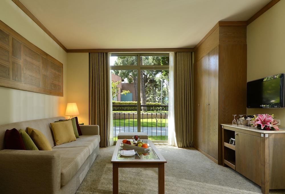 글로리아 베르데 리조트(Gloria Verde Resort) Hotel Image 16 - Living Room