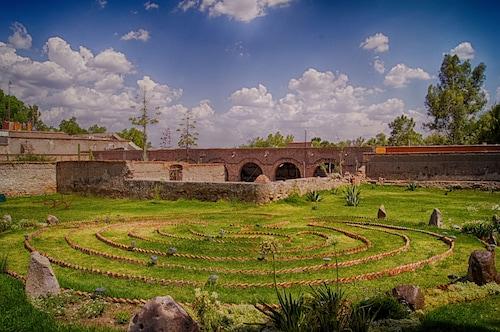 . Hacienda Sepulveda Hotel & SPA