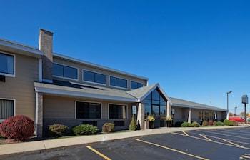 Hotel - AmericInn by Wyndham Hartford WI