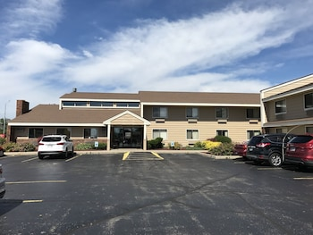 Hotels Near Meadowbrook Manor - Apartments - 475 Meadowbrook Drive ...