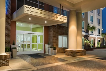 Holiday Inn Express Hotel & Suites Florence I-95 at Hwy 327