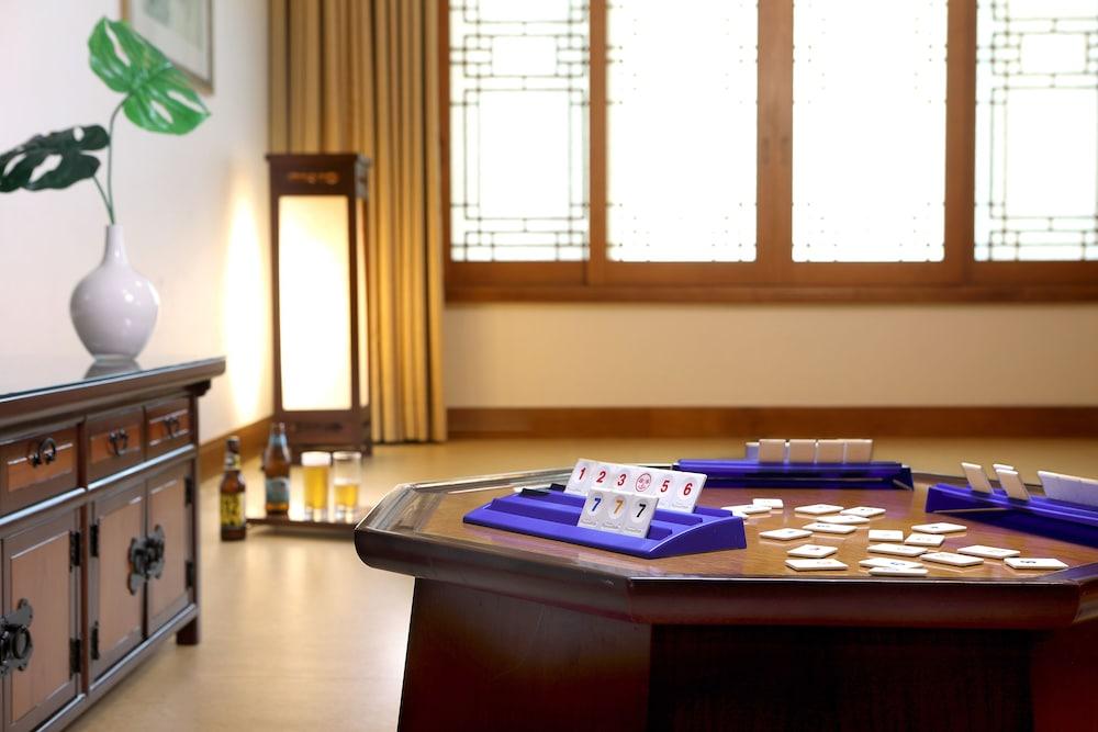 라마다 플라자 제주 오션 프론트(Ramada Plaza Jeju Ocean Front) Hotel Image 36 - Guestroom