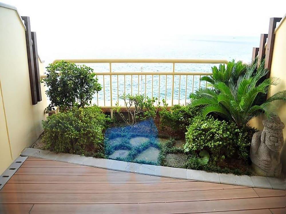 라마다 플라자 제주 오션 프론트(Ramada Plaza Jeju Ocean Front) Hotel Image 54 - Balcony