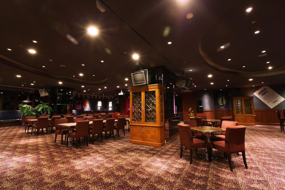 라마다 플라자 제주 오션 프론트(Ramada Plaza Jeju Ocean Front) Hotel Image 106 - Hotel Bar