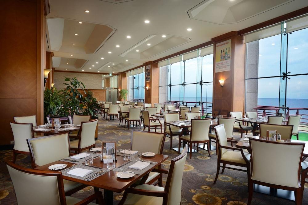 라마다 플라자 제주 오션 프론트(Ramada Plaza Jeju Ocean Front) Hotel Image 96 - Buffet