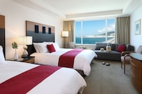 Twin Room (Free Upgrade to Ocean or Harbor View)