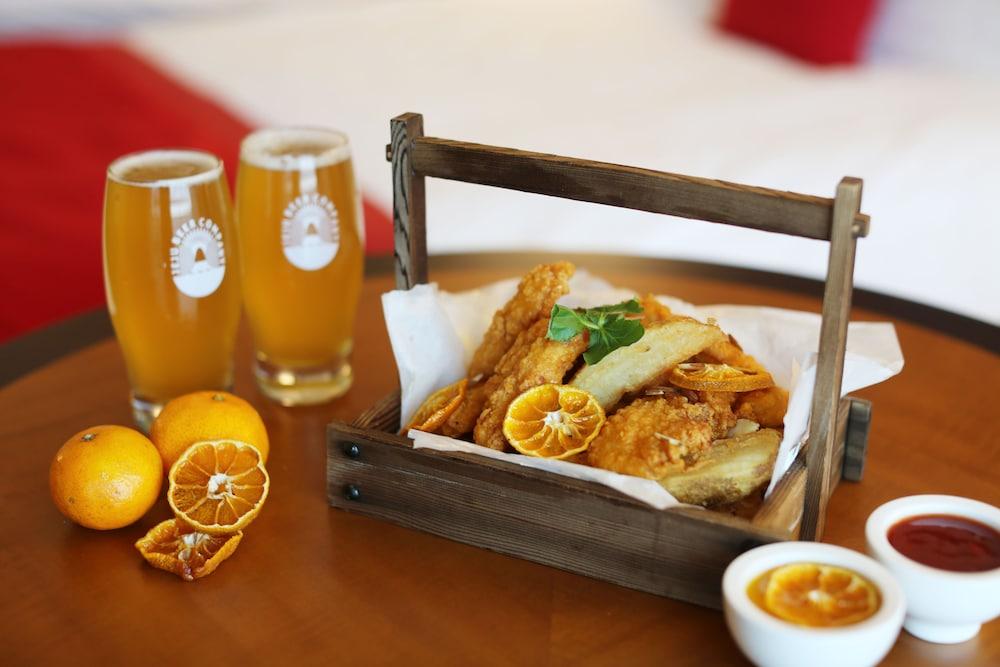 라마다 플라자 제주 오션 프론트(Ramada Plaza Jeju Ocean Front) Hotel Image 48 - Room Service - Dining