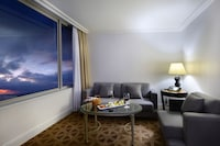 Suite, Non Smoking, Mountain View