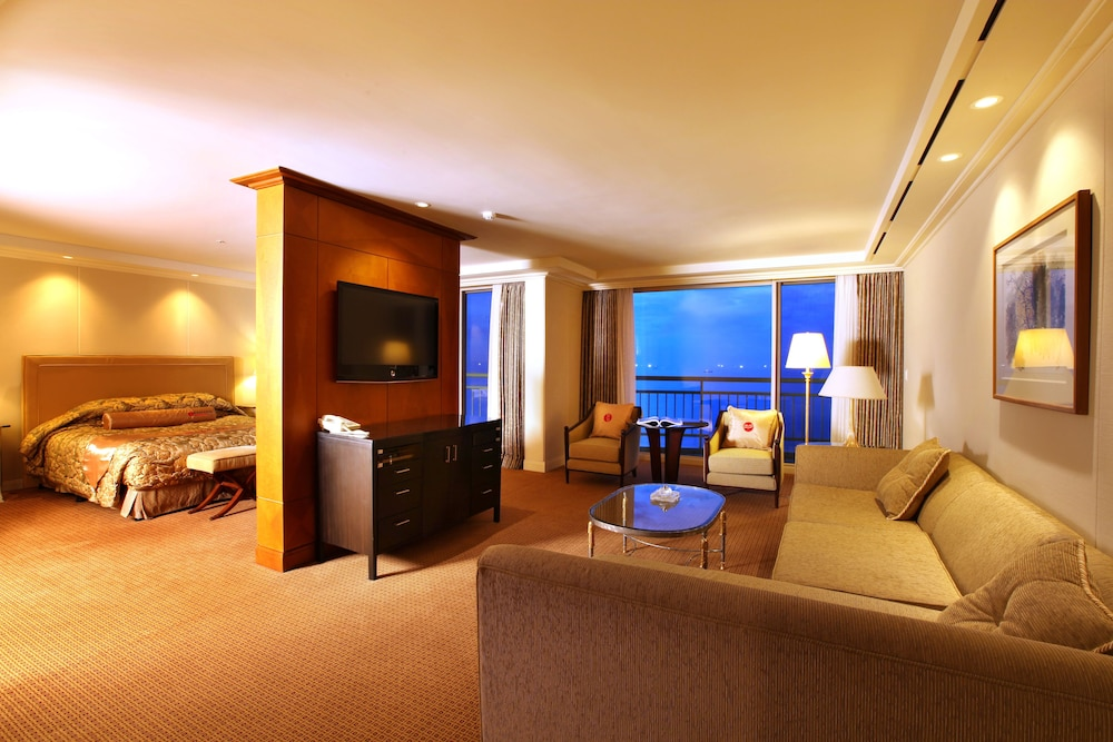 라마다 플라자 제주 오션 프론트(Ramada Plaza Jeju Ocean Front) Hotel Image 29 - Guestroom