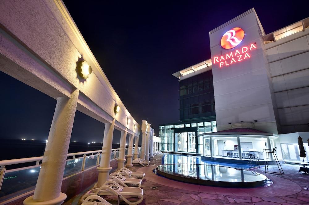 라마다 플라자 제주 오션 프론트(Ramada Plaza Jeju Ocean Front) Hotel Image 37 - Guestroom