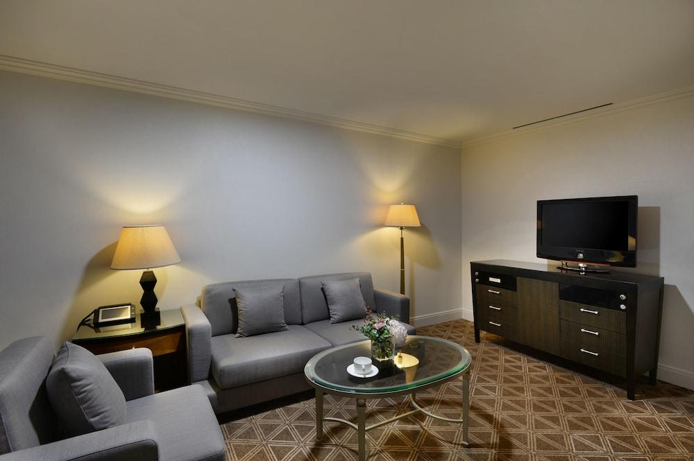 라마다 플라자 제주 오션 프론트(Ramada Plaza Jeju Ocean Front) Hotel Image 46 - Living Area