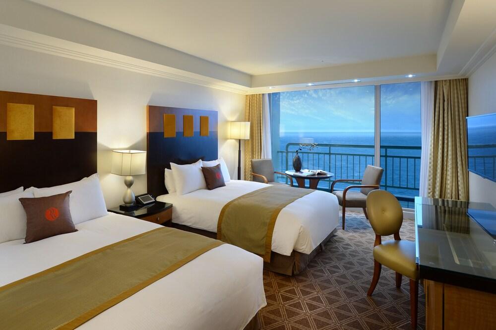라마다 플라자 제주 오션 프론트(Ramada Plaza Jeju Ocean Front) Hotel Image 138 - Beach/Ocean View