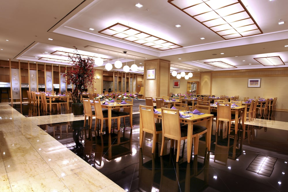 라마다 플라자 제주 오션 프론트(Ramada Plaza Jeju Ocean Front) Hotel Image 84 - Restaurant