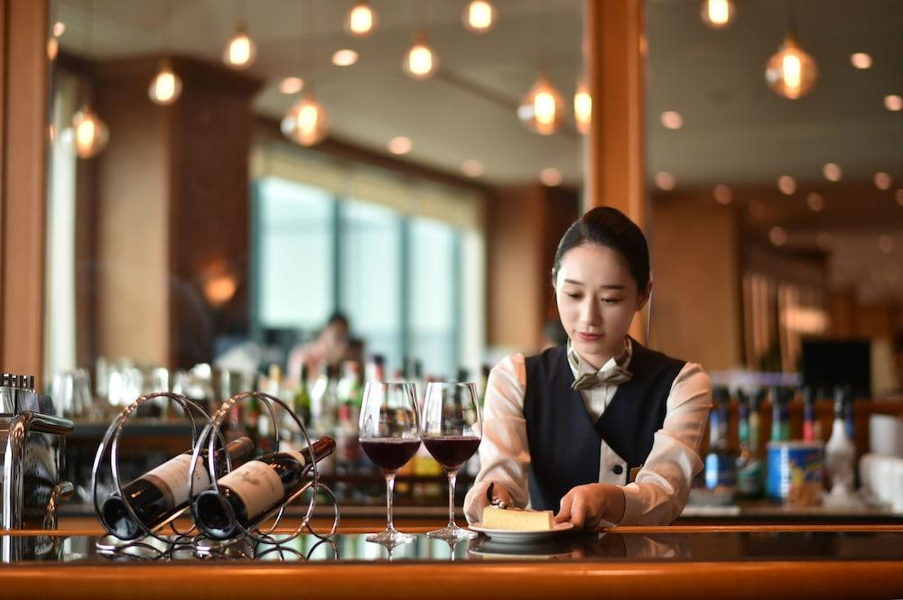라마다 플라자 제주 오션 프론트(Ramada Plaza Jeju Ocean Front) Hotel Image 94 - Restaurant