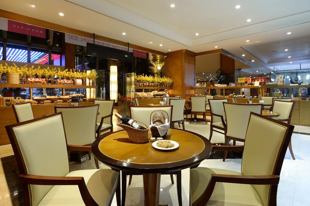 라마다 플라자 제주 오션 프론트(Ramada Plaza Jeju Ocean Front) Hotel Image 104 - Delicatessen