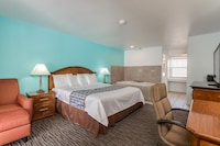 Standard Room, 1 King Bed, Jetted Tub, Partial View